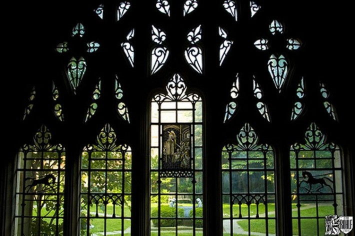 10_Yale_Law_School_New_Haven_CT_Stained_Glass_Window_Restoration-710x472
